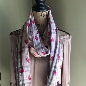 Plaid scarf with hearts 💕
